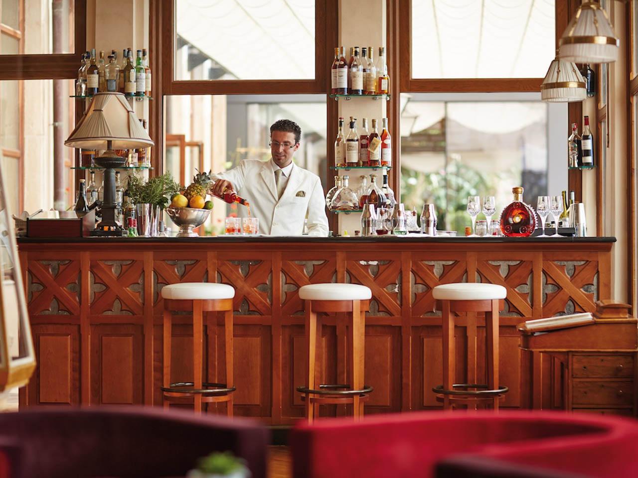 L etna spritz di alfio liotta tra i migliori cocktail del for Manhattan cocktail storia